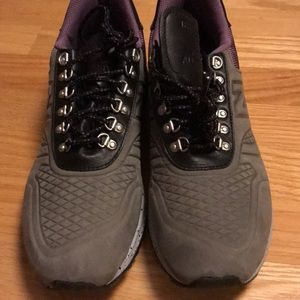 New Balance Trailbuster sneakers. Size 11.5